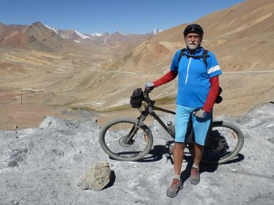 Peter Dilks Cycling on the Tajikistan to Kyrgyzstan   tour with redspokes